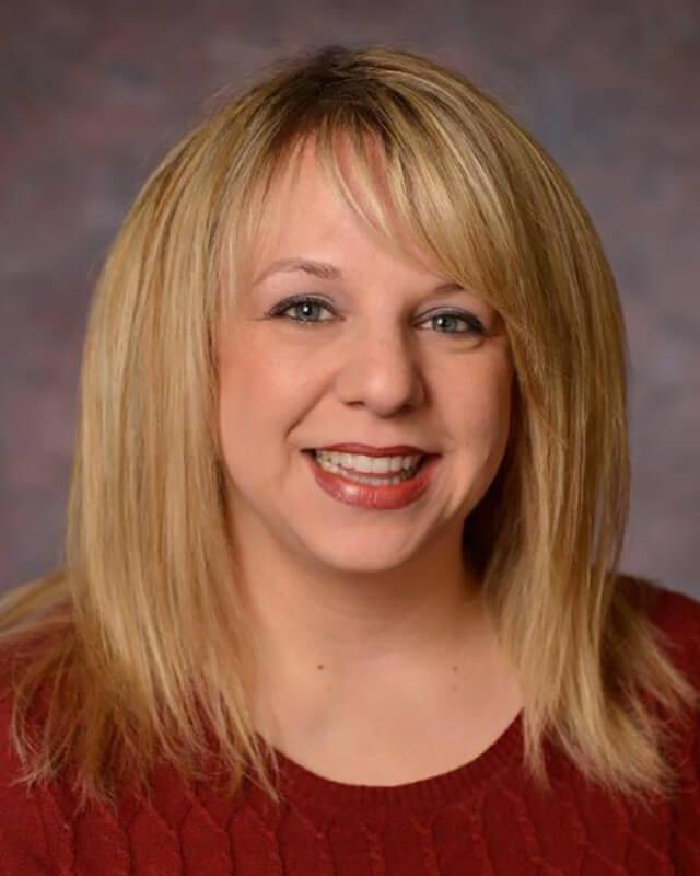 Lauren  Aleksunes